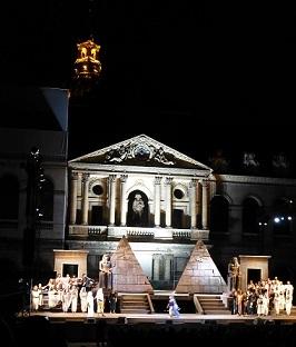 210120911野外オペラ舞台挨拶2.jpg