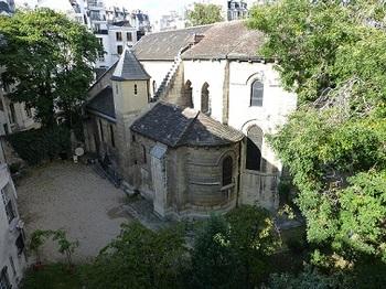 20121005サン・ジュリアン・ル・ポーヴル教会裏側.jpg